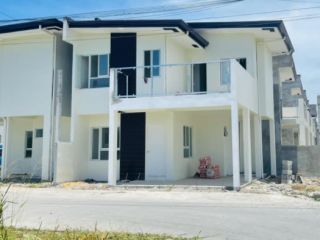 HOUSE AND LOT IN STA ROSA