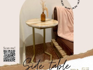 ROUND WHITE GOLD MARBLE TABLE (HEXAGONAL BOTTOM STAND)