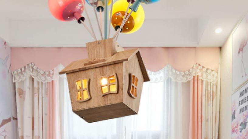 kids-balloon-house-chandelier-light-big-5