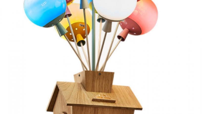 kids-balloon-house-chandelier-light-big-1