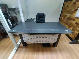 L-type executive table
